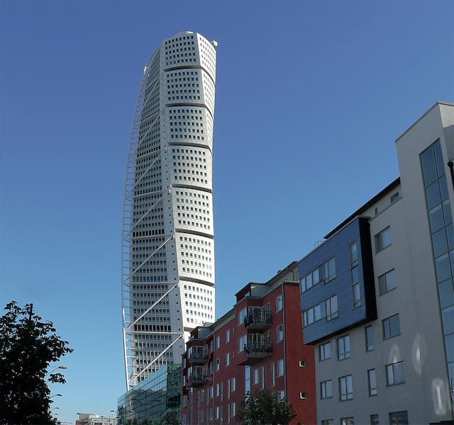 Malmö är en av Sveriges befolkningstätaste städer, och då är det kanske inte så konstigt att det också finns en hel del massage i Malmö. Bild av Olof Senestam.